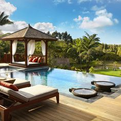 Tropical Home Design. |Re-pinned by www.borabound.com