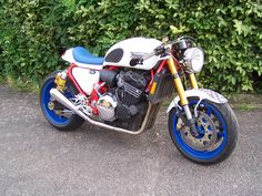 Triumph 900 Cafe Racer remade in a shed in England