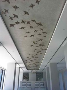 7 Easy And Cheap Cool Ideas: Abstract False Ceiling Design false ceiling diy faux beams.False Ceiling Design New. Ceiling Design Living Room, Bedroom False Ceiling Design, False Ceiling Living Room, Living Room Designs, False Ceiling Ideas, Modern Ceiling Design, Office Ceiling Design, Simple False Ceiling Design, Living Rooms