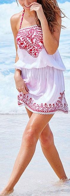 Start summer off right with our pretty little Laurelle, a must-have in any beach time wardrobe. This blousy white style features paradise pi. Boho Outfits, Summer Outfits, Cute Outfits, Fashion Outfits, Chic Summer Style, Boho Fashion, Womens Fashion, Boho Look, Cute Dresses