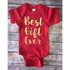 Best gift ever photo prop Christmas baby December baby 2017 pregnancy announcement Christmas baby photo prop www.etsy.com/shop/liddybugdesigns