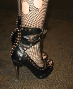 Great steampunk shoes