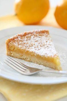 Tarte au citron et crème d'amande l'acidité du citron et la douceur de l'amande se marient parfaitement pour cette tarte gourmande British, Tarte, Lemon Cream, Almond, Greedy People, England