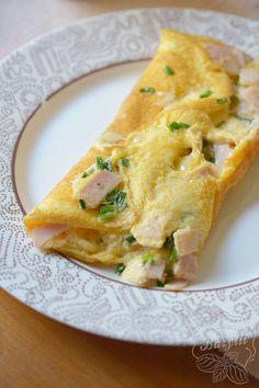 Omlet z szynką i serem - prosty przepis. Zobacz teraz! Food And Drink, Cooking Recipes, Ethnic Recipes, Cooker Recipes, Recipies, Recipes