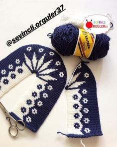 Discover thousands of images about Happy evenings Mutlu. Knitted Slippers, Crochet Slippers, Tunisian Crochet, Free Crochet, Easy Knitting Patterns, Crochet Patterns, Knitting Socks, Baby Knitting, Happy Evening