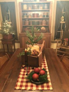 Below are the Christmas Dining Decor Ideas. This article about Christmas Dining Decor Ideas was posted under the Dining Room category by our team at June 2019 at pm. Hope you enjoy it and don't forget to share . Dining Room Table Centerpieces, Dining Decor, Decoration Table, Centerpiece Ideas, Room Decorations, Primitive Decorations, Dining Table, Simple Centerpieces, Prim Decor