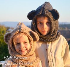 Zindy Mouse Knitting Hooded Cowl