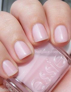 ESSIE NAIL POLISH_DOUBLE INDEMNITY #494 COLOR