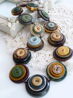 On Sale ES310 SAFARI VINTAGE BUTTONS by designedbybettyshek