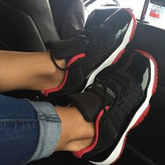 2014 cheap nike shoes for sale info collection off big discount.New nike roshe run,lebron james shoes,authentic jordans and nike foamposites 2014 online. Air Jordan Retro, Jordan Shoes Girls, Girls Shoes, Jordan 11 Outfit, Shoes Women, Sneakers Mode, Sneakers Fashion, Nike Sneakers, Air Jordan Sneakers