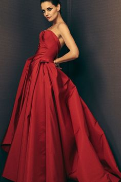 The complete Zac Posen Fall 2018 Ready-to-Wear fashion show now on Vogue Runway.