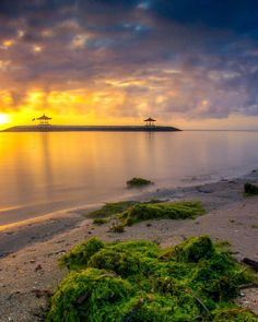 A Shot From Karang Beach Sanur Bali. Captured with @canon.indonesia paired with Canon EF 17-40mm f/4L USM powered with Haida Filter GND 09 and  ND 8.  Have A Great Day! _________________________________________________  #instadaily #landscape #longexposure . . . . . . #sunrise #jaw_dropping_shots #ig_shotz #ig_great_pics #ig_captures #ig_cameras_united #ig_eurasia #exceptional_pictures #longexpolite #longexposure_shots #ic_longexpo #haidaindonesia #ig_color #ig_shots_le #special_shots…