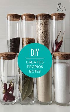 Decoracion Low Cost, Cocina Diy, Coffee Maker, Kitchen Appliances, Vases, Kitchen Jars, Organization Hacks, Easy Crafts, Upcycle