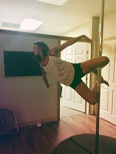 Pole Dance Workouts for Beginners – Pole Dance and Pole Fitness Routines Suitable For All Ages Pole Dance Moves, Pole Dancing Fitness, Pole Fitness Moves, Dance Gear, Dance Fitness, Circadian Rhythm Sleep Disorder, Pole Classes, Pole Dancing Clothes, Pole Tricks