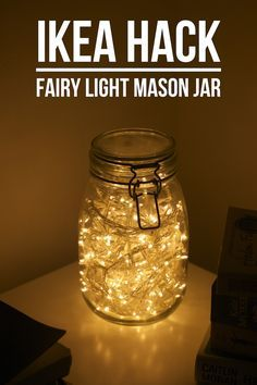 Un pot de confiture d'1 Litre, 1 guirlande lumineuse de Noël = 1 lampe d'appoint orignal qui créera une ambiance chaleureuse sur une cheminée.(voir notre tableau maison de campagne)