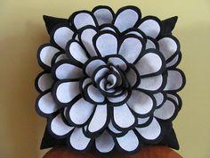 Keçeden Çiçek Yapımı Modelleri | Hobi Fikirleri Yaratıcı El İşi Örnekleri