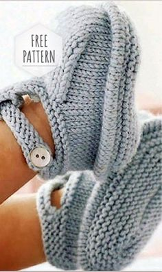 baby-sweaters Baby Booties Free Pattern Source by knittin Baby-Strickanleitung baby babysweaters Booties Free knittin kostenlose Baby-Strickanleitung Pattern source Baby Booties Knitting Pattern, Knit Baby Booties, Booties Crochet, Baby Knitting Patterns Free Newborn, Crochet Slippers, Baby Bootie Pattern, Crochet Baby Cardigan Free Pattern, Knit Baby Shoes, Baby Slippers