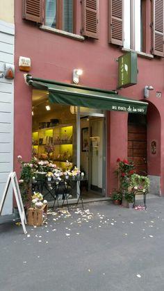 1 maggio 2014 #au nom de la rose #via mercato #milano
