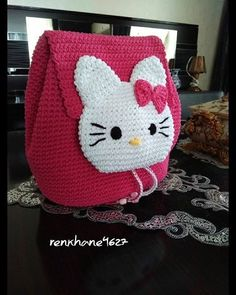 New crochet baby bag hello kitty Ideas Crochet Blanket Edging, Bobble Crochet, Granny Square Crochet Pattern, Love Crochet, Crochet Patterns Amigurumi, Crochet For Kids, Crochet Baby, Hello Kitty Crochet, Hello Kitty Purse