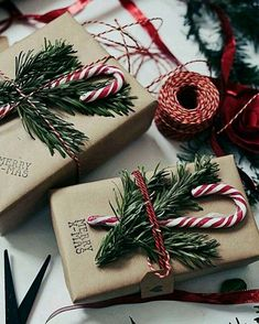 Christmas gift wrapping in craft paper with pine clippings and candy canes Christmas Wrapping, Christmas Wreaths, Diy Christmas Gifts, Holiday Decor, Amazing, Gift Packaging, Candy Cane, Gift Wrapping, Ideas
