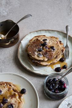 Buckwheat Blueberry Pancakes with Maple Syrup Buckwheat Pancakes, Pancakes And Waffles, Blueberry Pancakes, What's For Breakfast, Breakfast Recipes, Fox Food, Blueberry Recipes, Dessert For Dinner, Recipes From Heaven