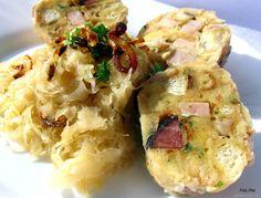 Špekové knedlíky       10 den starých rohlíků (cca 450 g)  300 g anglické slaniny  100 g másla  5 vajec  200 - 250 g polohrubé mouky  600 ml...