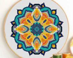 Easy Cross Stitch Patterns, Cross Stitch Art, Simple Cross Stitch, Cross Stitching, Funny Embroidery, Embroidery Hoop Art, Embroidery Patterns, Stitching Patterns, Mandala Animals
