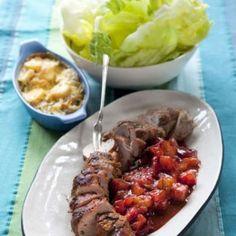 Helstekt entrecôte med pepparpotatis och rödvinssmör - Mitt kök Yummy Food, Beef, Mat 10, Meat, Delicious Food, Steak