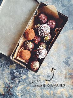 Date cacao coconut bonbons l lakrids-kugler