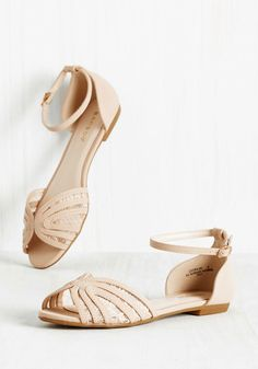 dd7e8a89ec763 42 Pairs Of Wedding Flats To Keep You Comfy   Cute On Your Big Day
