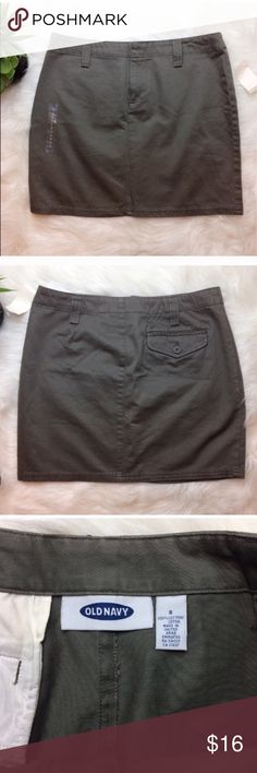 """Old Navy Olive Green Skirt Old Navy Olive Green flat front skirt with back pocket. New with tags. Size 8. Waist is 16"""". Length is 16 1/4"""". 100% Cotton and very soft. Old Navy Skirts"""