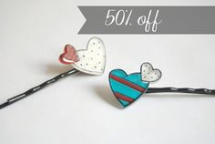 Valentine's Day hearts hair bobby pins by lacravatteduchien, €5.50