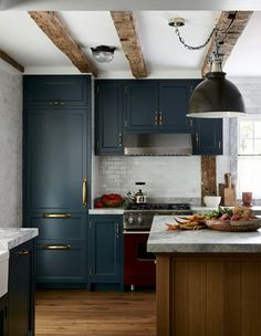 Scandinavian Kitchen Decor A late Hamptons farmhouse is the ideal framework for a contemporary interpretation of sophisticated yet informal country living. Dark Blue Kitchen Cabinets, Dark Blue Kitchens, Red Kitchen, Kitchen Layout, Home Decor Kitchen, Rustic Kitchen, Home Kitchens, Mini Kitchen, Small Kitchens