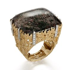 GRIMA - Dendrite Ring, 1998 - A square cabochon Dendrite set in Yellow Gold textured wire and Diamonds