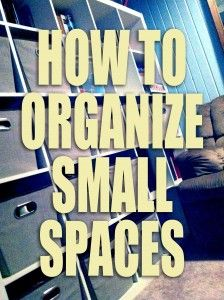 Small spaces can easily get cramped and cluttered, but they don't have to be! With these tips, you'll learn how to effectively keep a small space from cluttering up. #Organizing