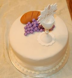 ideal for first holy communion | Catholic Icing: First Commuion Cakes and Food Ideas