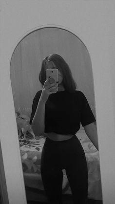 Black Aesthetic Wallpaper, Purple Aesthetic, Aesthetic Photo, Aesthetic Girl, Selfie Poses, Selfies, Fake Girls, Snapchat Picture, Uzzlang Girl