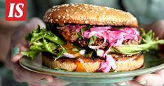 Gourmethampurilaiset vievät kielen ja nälän. Halloumi, Coleslaw, Salmon Burgers, Fondue, Guacamole, Chicken, Ethnic Recipes, Pineapple, Coleslaw Salad