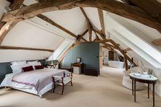 Attic Master Bedroom, Attic Bedrooms, Garage Apartment Plans, Bathroom Plans, A Frame House, Cabin Homes, Farmhouse Design, Home Decor Bedroom, New Homes
