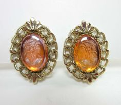 Vintage Whiting & Davis Earrings Gold Filigree Cameo Woman Clip On Backs 9161 #WhitingDavis #ClipOn