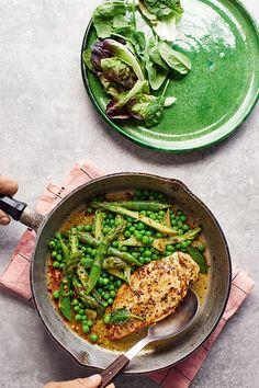 Bodycoach Recipes, Joe Wicks Recipes, Sage Recipes, Chicken Recipes, Healthy Recipes, Simple Recipes, Healthy Meals, Healthy Food, Healthy Cooking
