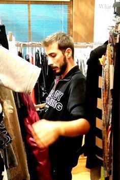 "Christos Kalliarekos on duty… at ""Eleni"" show"
