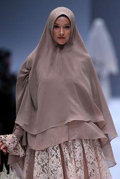 The World's Fashion Business News Skirt Fashion, Hijab Fashion, Islamic Fashion, Business News, Business Fashion, Women Wear, Spring Summer, Skirts, Dresses