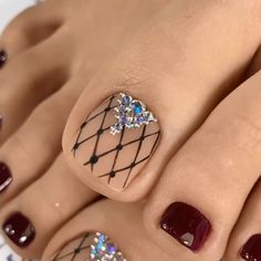 nail designs and nail makeup makeup games makeup design and makeup salon design makeup nailart nail art nailart makeup games Toe Nail Color, Toe Nail Art, Nail Colors, Pretty Toe Nails, Cute Toe Nails, Easy Toe Nails, Diy Nails, Neon Toe Nails, Nail Art Designs Videos