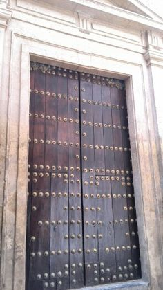 Casas estilos on pinterest antigua apaneca and antigua for Puerta casa antigua