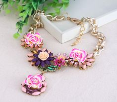 Stylish Resin Flower Design Drill Decor Necklace Women Ladies Jewelry Necklace Three Colors Pick