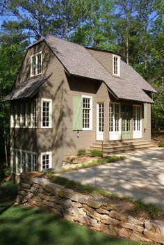 Small cottage at Lake Martin, Alabama. www.billingramarchitect.com
