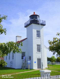 Painting The Sandpoint Lighthouse (Sept 21, 2016)