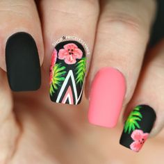Tropical Floral Nails With Chevron Stripes summer nails nail nail art floral nails summer nails nail ideas summer nail art summer nail designs Nailart, Super Nails, Nagel Gel, Flower Nails, Trendy Nails, Diy Nails, Gel Manicure, Gel Nail, Nail Polish
