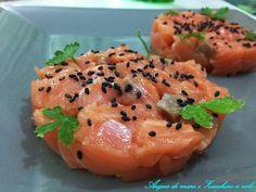 La Tartare di salmone fresco... Un piatto unico nella sua semplicità, arricchito dal profumo intenso dell'olio di sesamo!